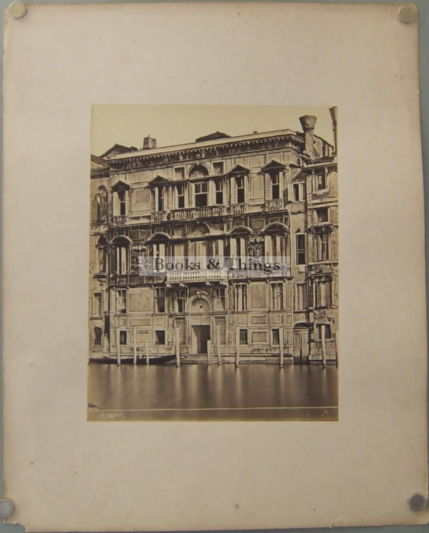 Venice canal building  photogrpah